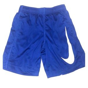 Nike boys 7 small dri-fit royal blue shorts